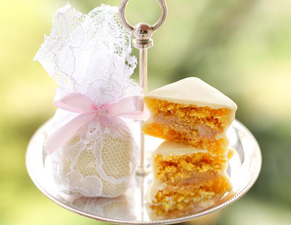 lembrancinha-de-casamento-mini-bolo-de-cenoura